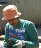 Weeding pots